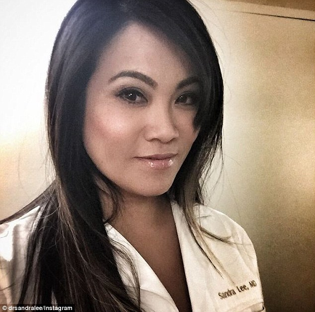 Dr Pimple Popper Wiki Who Is Dr Sandra Lee A K A Pimple